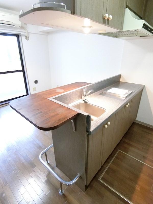 ウィンベルソロ与野第4 104号室のキッチン