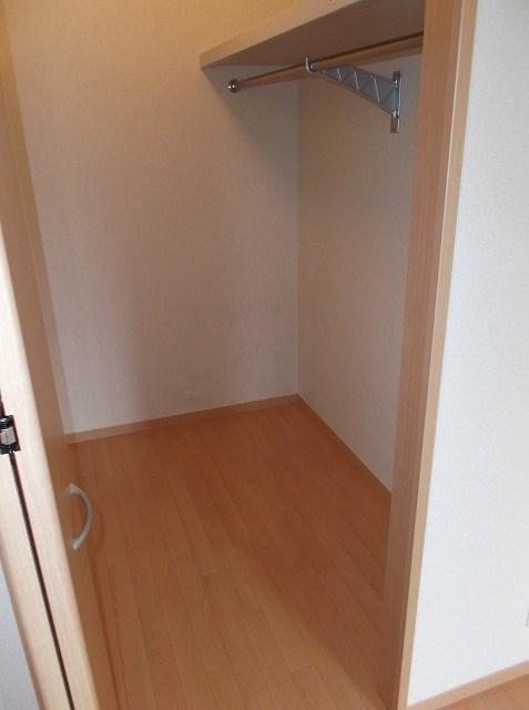 グリシーヌ湘南 202号室の収納