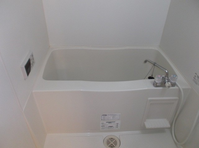 グリシーヌ湘南 202号室の風呂