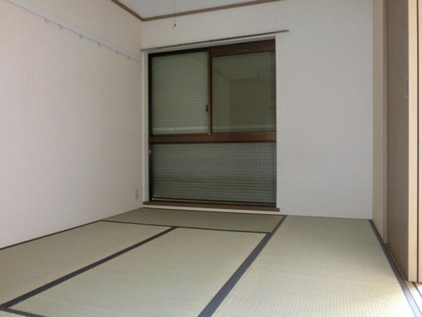 メゾンパロアルト 202号室のリビング
