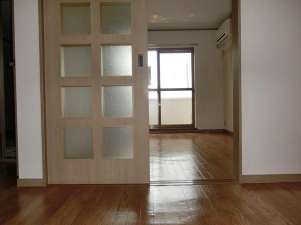 メゾンパロアルト 202号室の居室