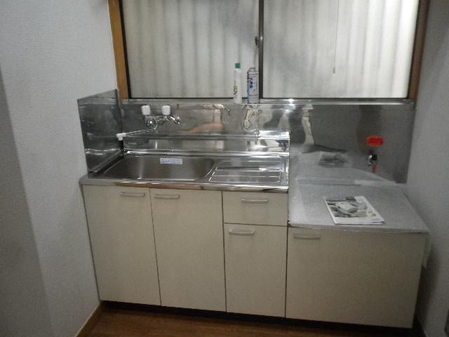 サンハウス松本B B101号室のキッチン