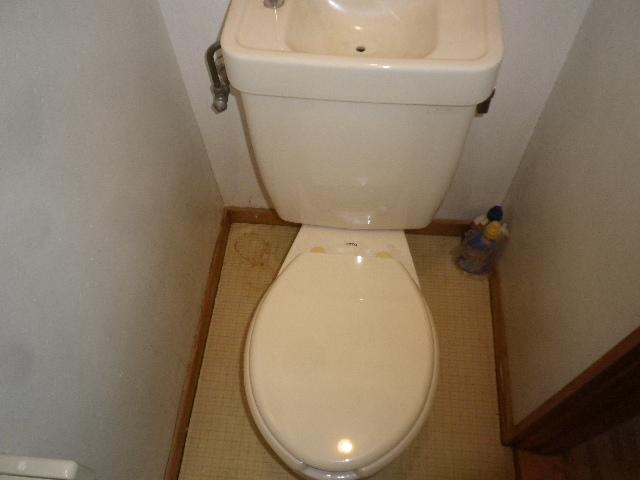 サンハウス松本B B101号室のトイレ