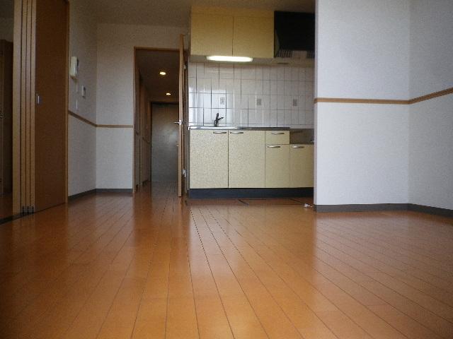 ルネス ドゥ エクスアン プロヴァンス 303号室のリビング