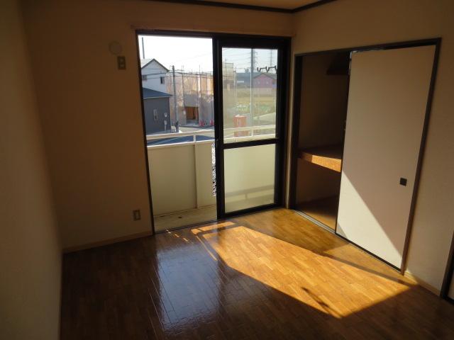 グリーンヒル新宿 202号室のリビング