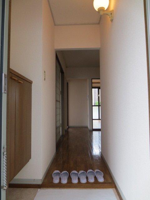 グリーンヒル新宿 202号室の玄関