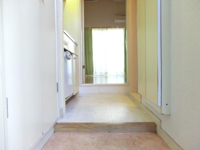 レオパレスシーガル 101号室の玄関