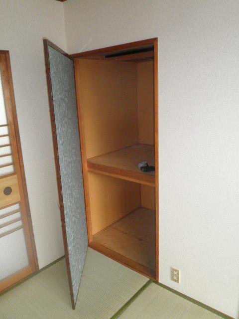 辻サンハイツ 203号室の収納