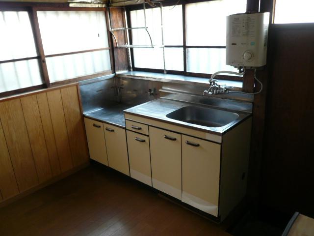 石田様 借家3号棟のキッチン