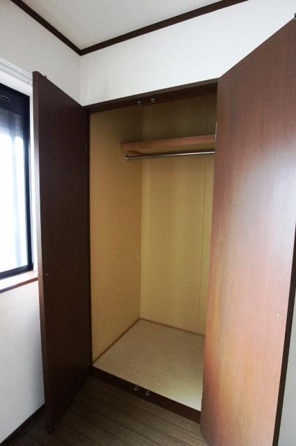 ジルメゾン神明 301号室の収納