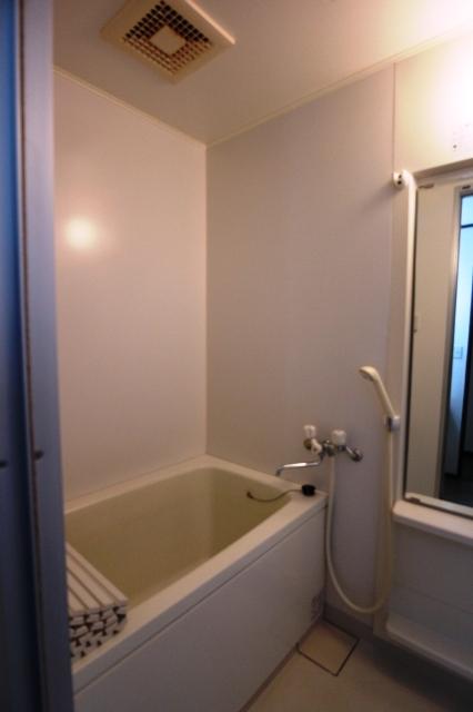 ジルメゾン神明 301号室の風呂
