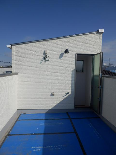 屋上のある家 Green Roofのバルコニー