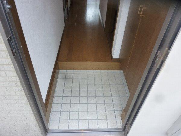 ハイツパルム 104号室の玄関