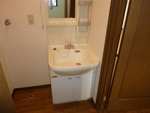 ハイツパルム 104号室の洗面所