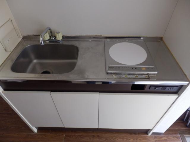 ベルコリーヌⅢ 105号室のキッチン