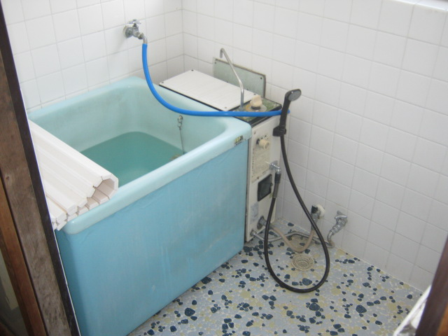 明美荘 201号室の風呂