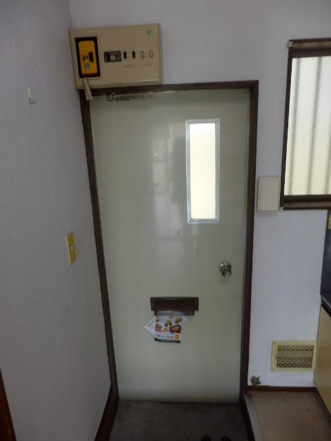 G・グローリーⅠ 102号室の玄関