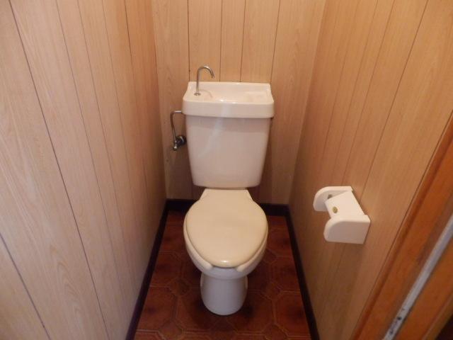G・グローリーⅠ 102号室のトイレ