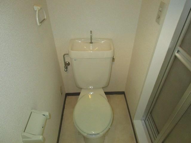 助信モンドEAST 102号室のトイレ