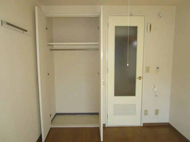 助信モンドEAST 102号室の収納