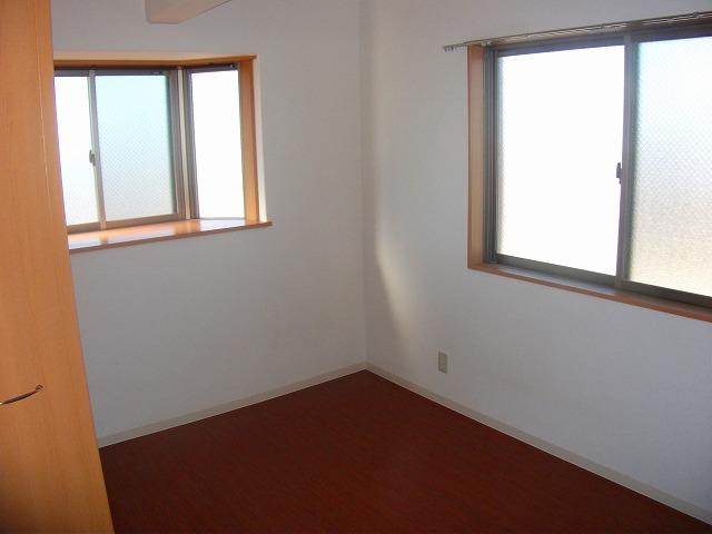 サザンハウスNANREI 306号室のリビング
