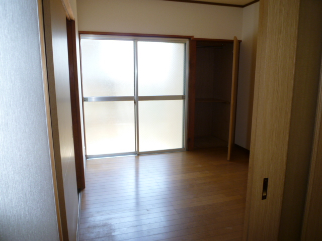 第一荒中荘 2D号室の居室