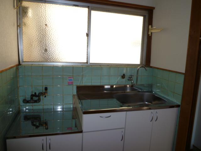 第一荒中荘 2D号室のキッチン