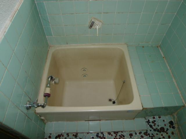 第一荒中荘 2D号室の風呂