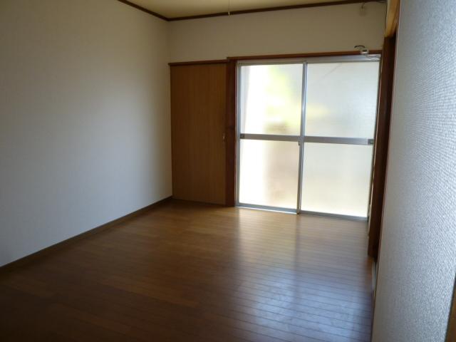 第一荒中荘 2D号室のベッドルーム