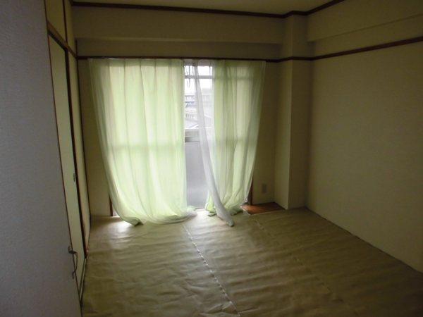 荒中マンション 403号室のベッドルーム