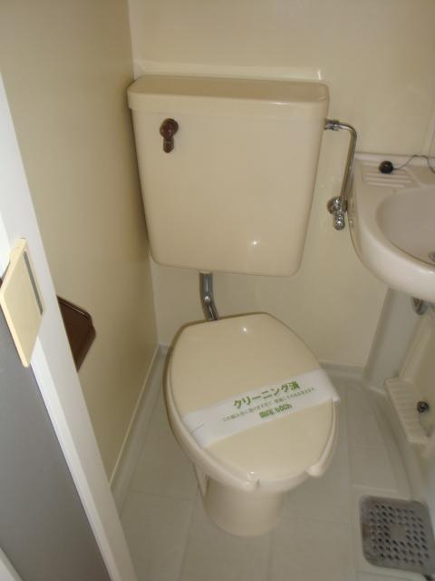 リトルタウン恵 302号室のトイレ