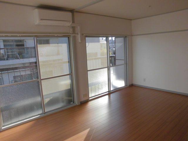 第2松田ビル 301号室の景色
