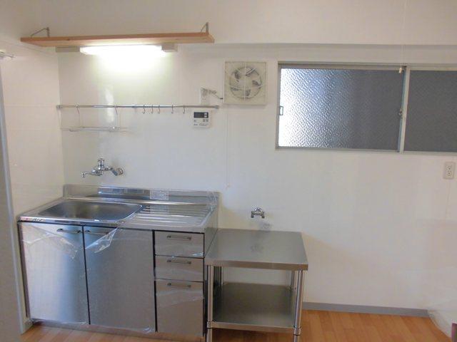 第2松田ビル 301号室のキッチン
