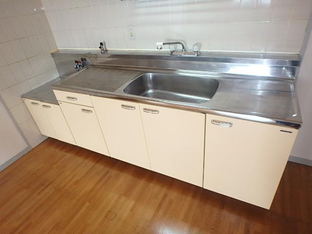 サンメゾン八熊 802号室のキッチン