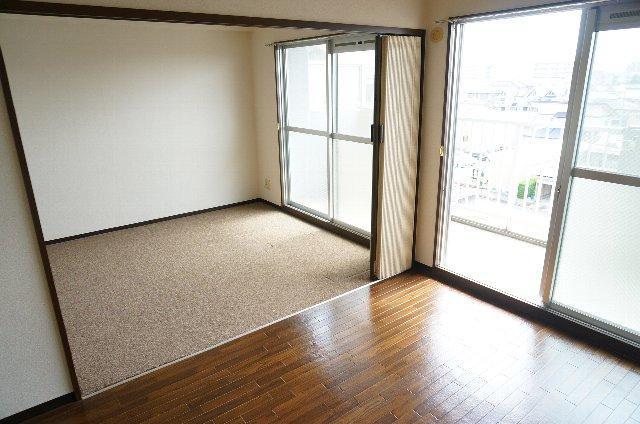 篠原橋マンション 6A号室のリビング