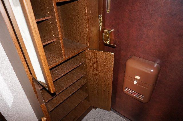 篠原橋マンション 6A号室の玄関