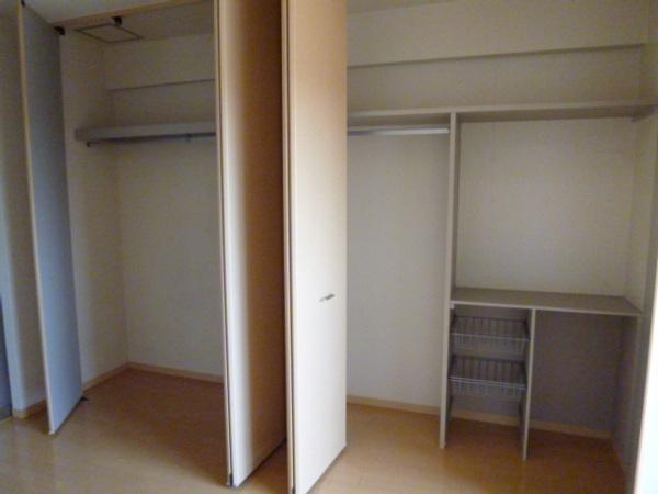 クリエイトハウス荒子 401号室の収納