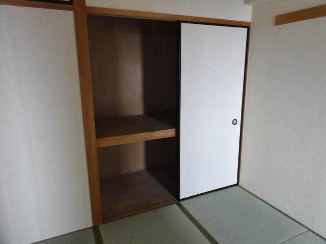 レジディア日比野 1305号室の収納