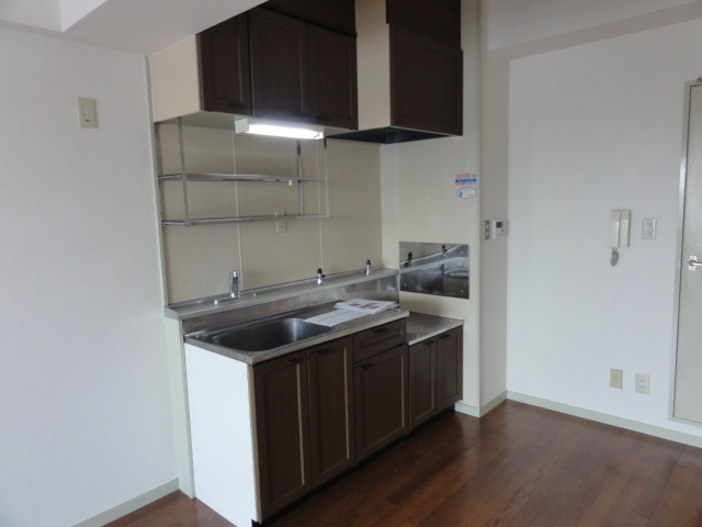 レジディア日比野 1305号室のキッチン