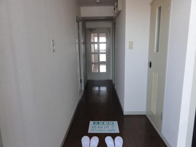 レジディア日比野 1305号室の玄関