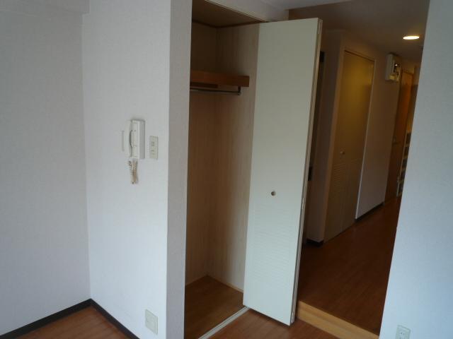 レーヴェ K&M 4C号室の収納