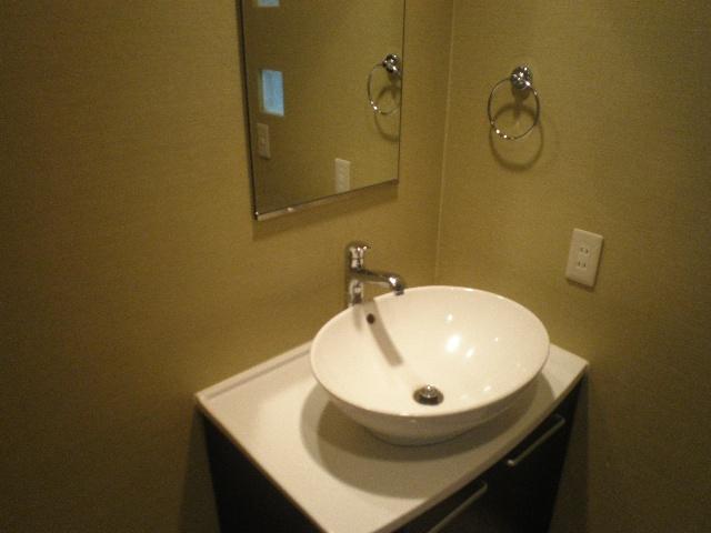 Olive 105号室の洗面所