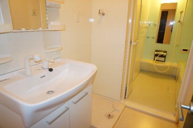 グランディールJ 102号室の風呂