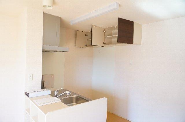 グランディールJ 102号室のキッチン