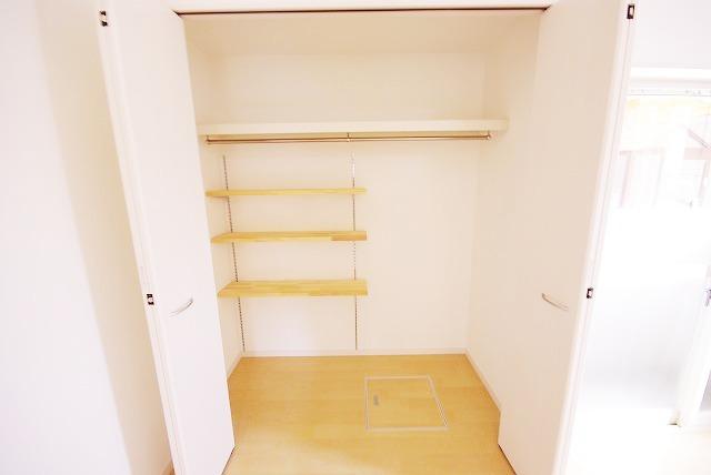 アーバンプレイス 103号室の収納