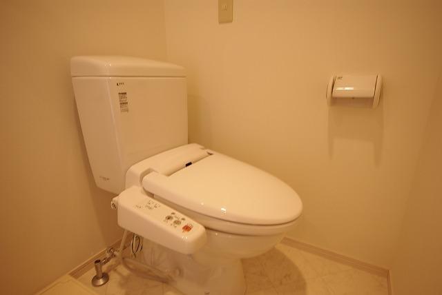 アーバンプレイス 103号室のトイレ