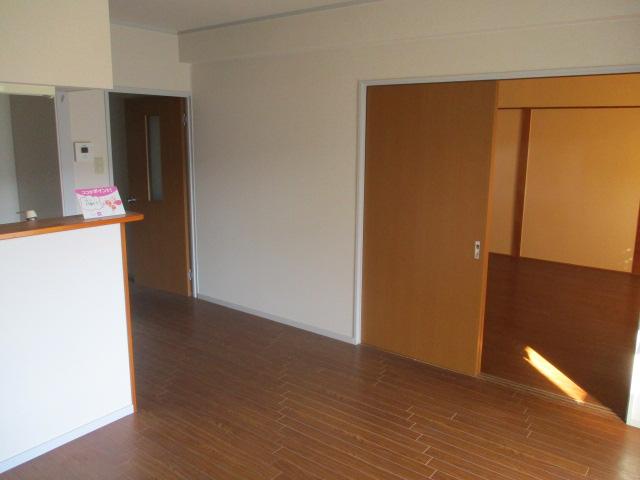 カトウハイツ 203号室のリビング