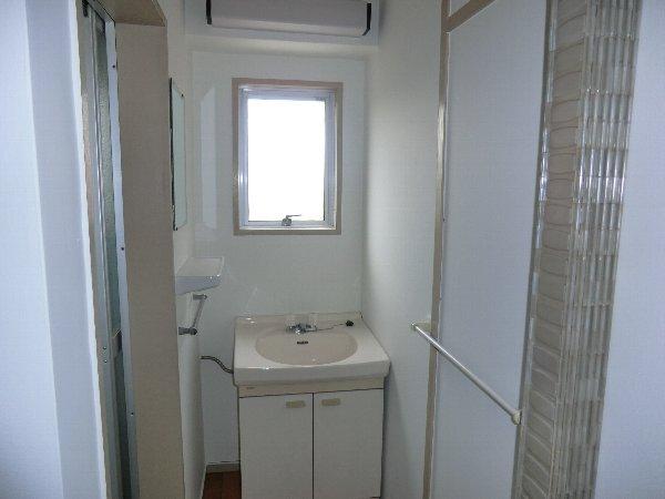 柏原農住団地F棟 305号室の洗面所