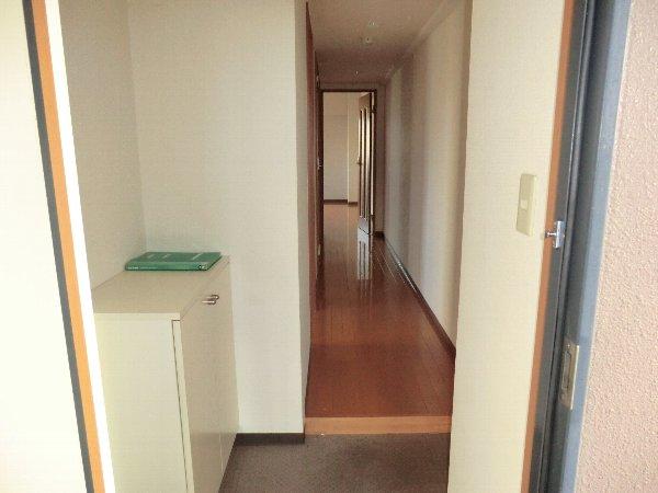 プリミエール JYOJYO 601号室の玄関