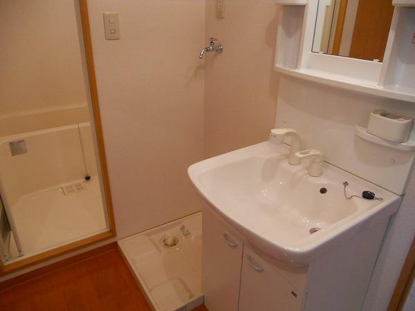 プリミエール八田Ⅱ 302号室の洗面所